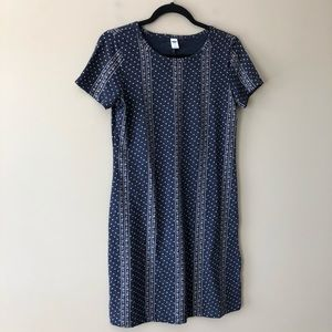 Old Navy Dresses - Old Navy blue and white printed t-shirt dress